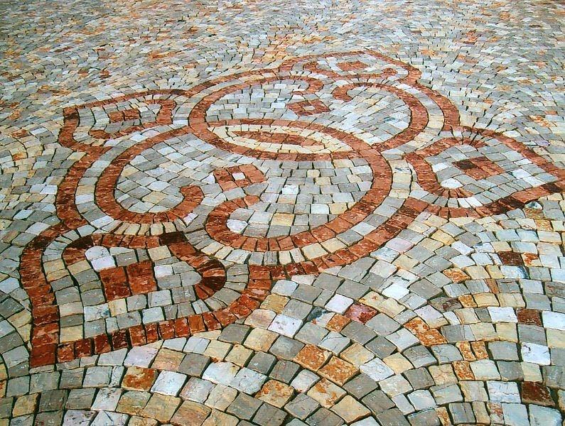 Pietra pavimento disegno : PLM PAVIMENTI ARTISTICI - disegno in marmo di apricena e pietra greca ...