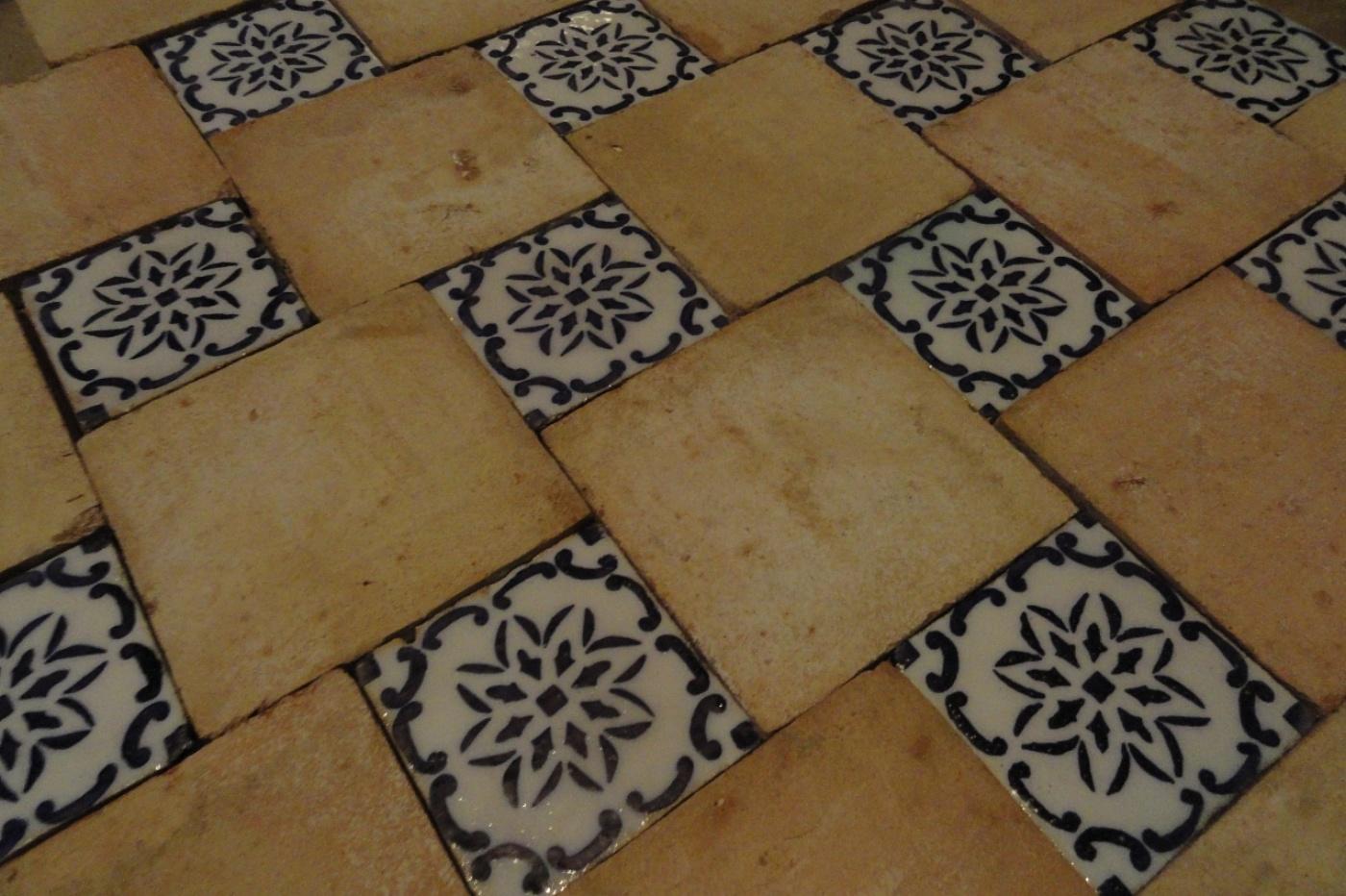 Pavimenti In Cotto Con Mosaico : Bagno con pavimenti e rivestimenti in mosaico u idee bagni