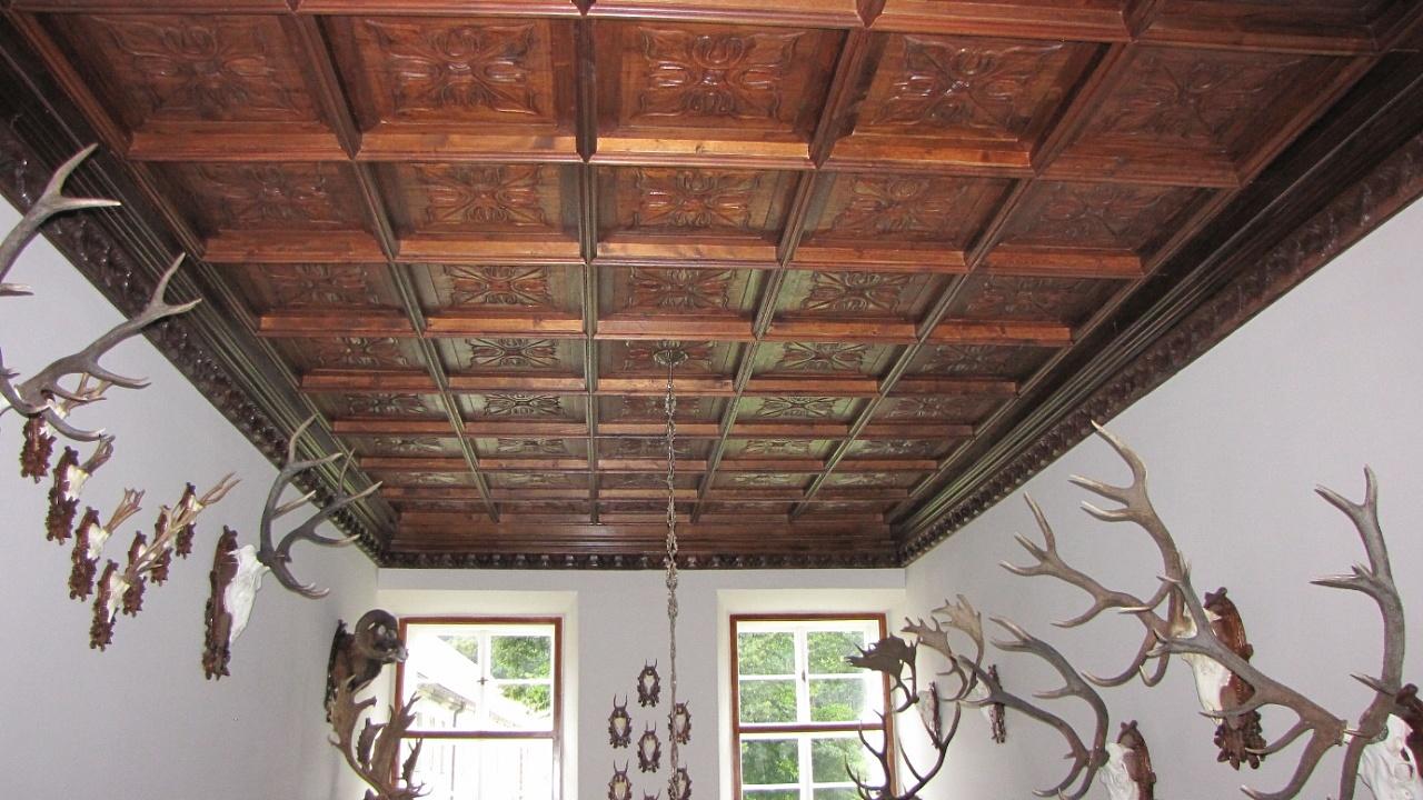 Artepronta s.a.s. - Soffitto in legno intersiato a cassettoni, a mano  >&...