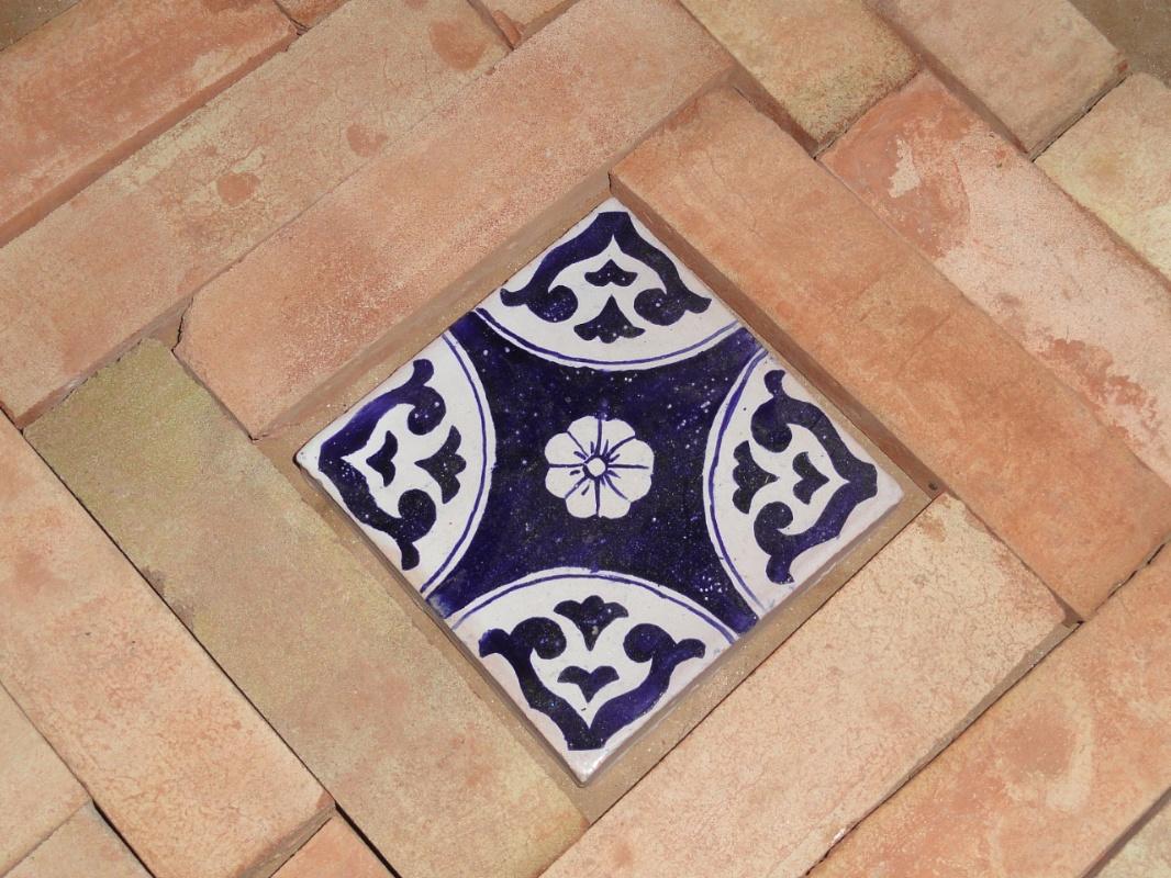Fornace de marco pavimenti in cotto con inserimento di - Piastrelle siciliane antiche ...