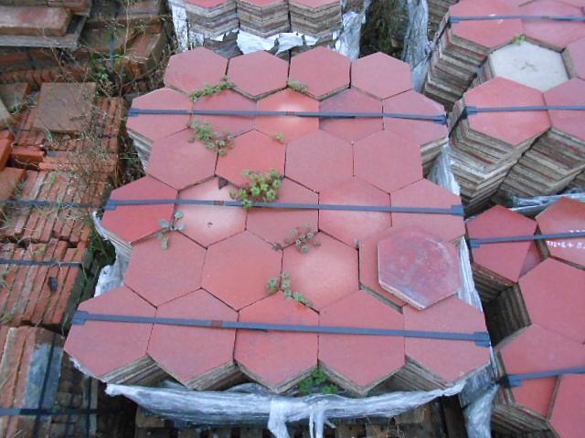 Recuperando brick and stone cementine pastina esagonale