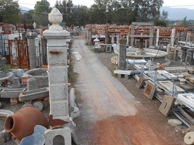 Recuperando brick and stone fontana in pietra da centro - Vasche in pietra da giardino ...