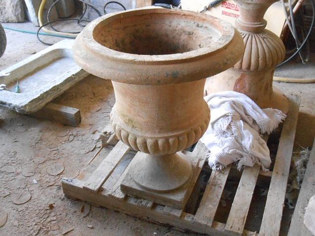Recuperando brick and stone vasi sopracolonna in cotto for Vasi antichi