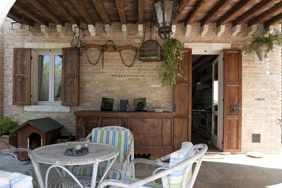 Antica edilizia pavimenti per esterni travi di legno - Tavole di legno per edilizia ...