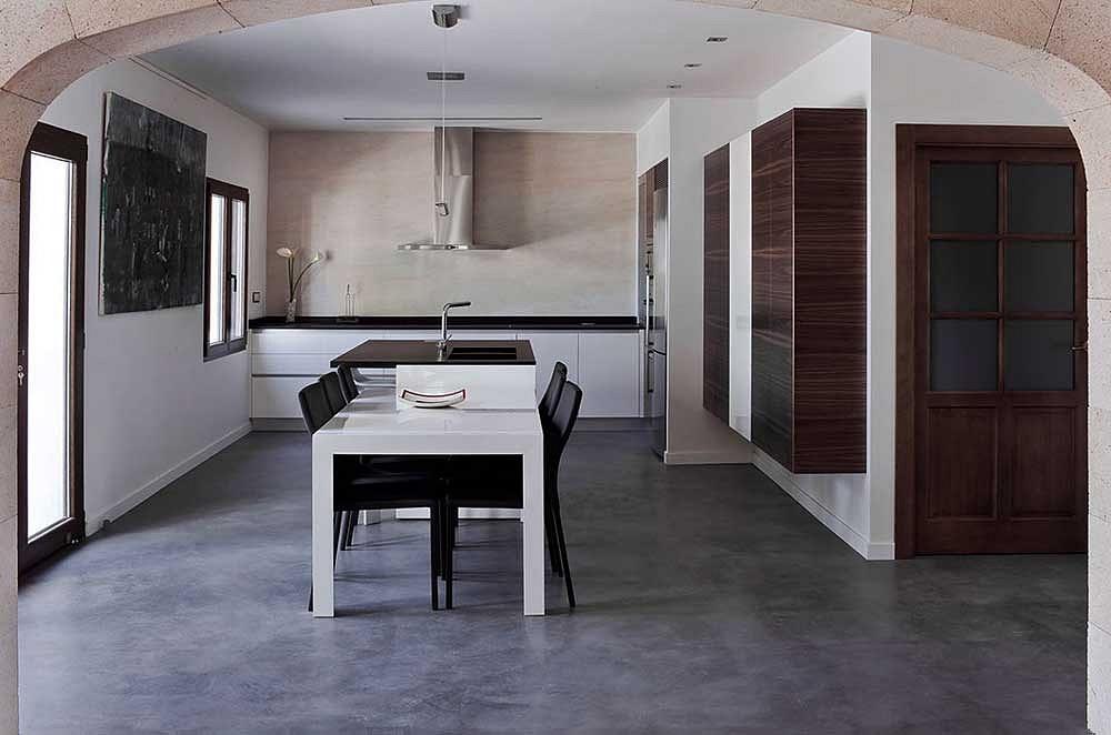 Pavimento moderno pavimenti in cemento spatolato per - Scale in cemento per interni ...