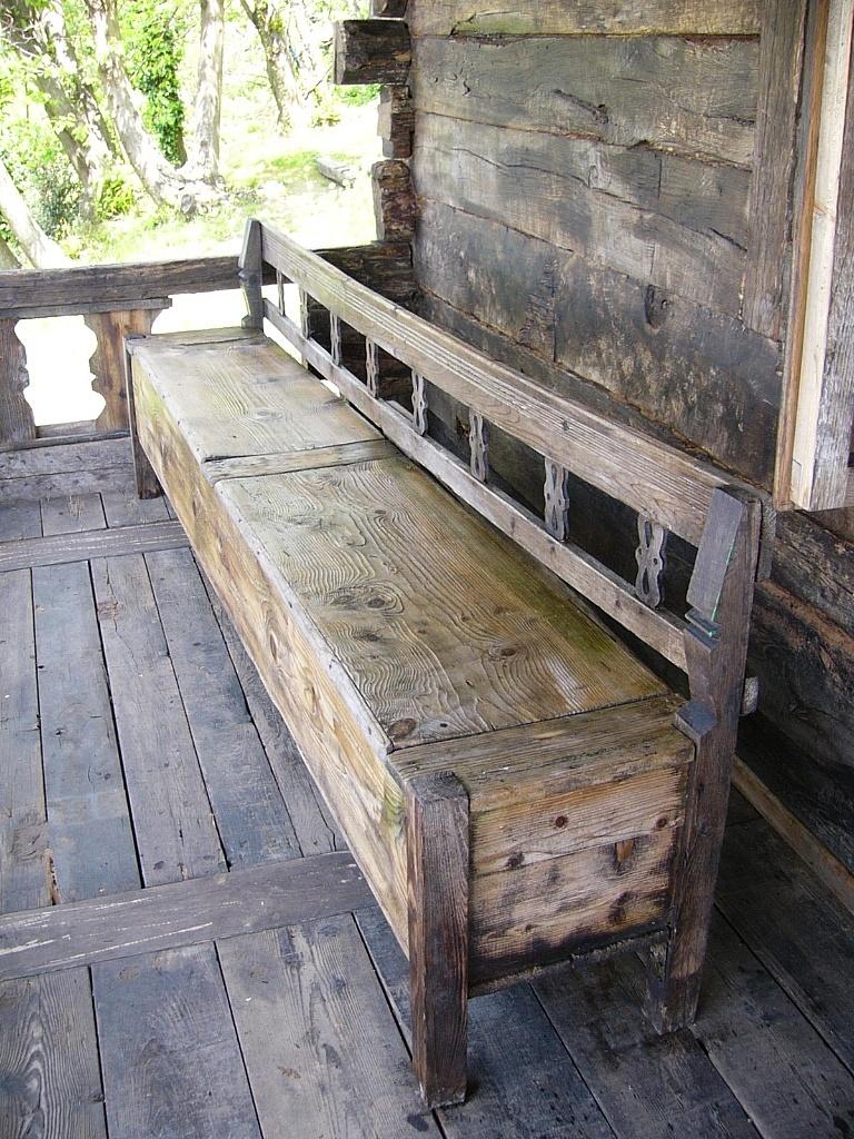 Legno antico recinzioni panche tavoli - Panche e tavoli in legno per pub ...
