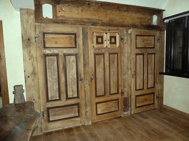 Legno antico porte tavoli mobili for Mobili da giardino in ferro antichi
