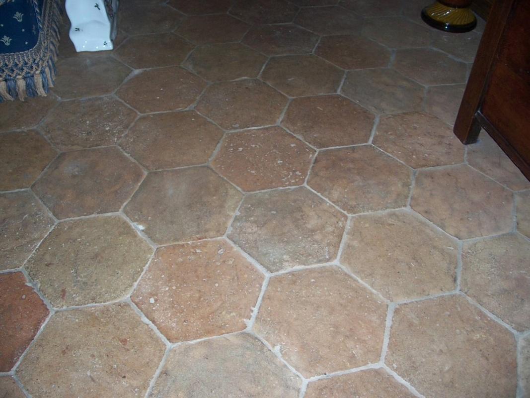Sols interni di prestigio pavimento esagonale in cotto - Piastrelle di cotto ...