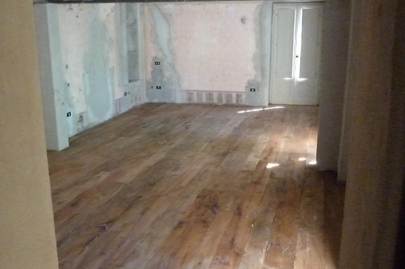 Legno antico pavimento antico rovere 2 patina lux - Tavole di legno per edilizia ...