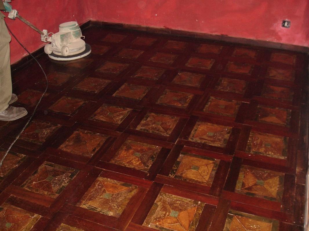 Tavoli Antichi Da Cucina Con Marmo.La Bottega Delle Arti Antiche Pavimento In Legno Policromi