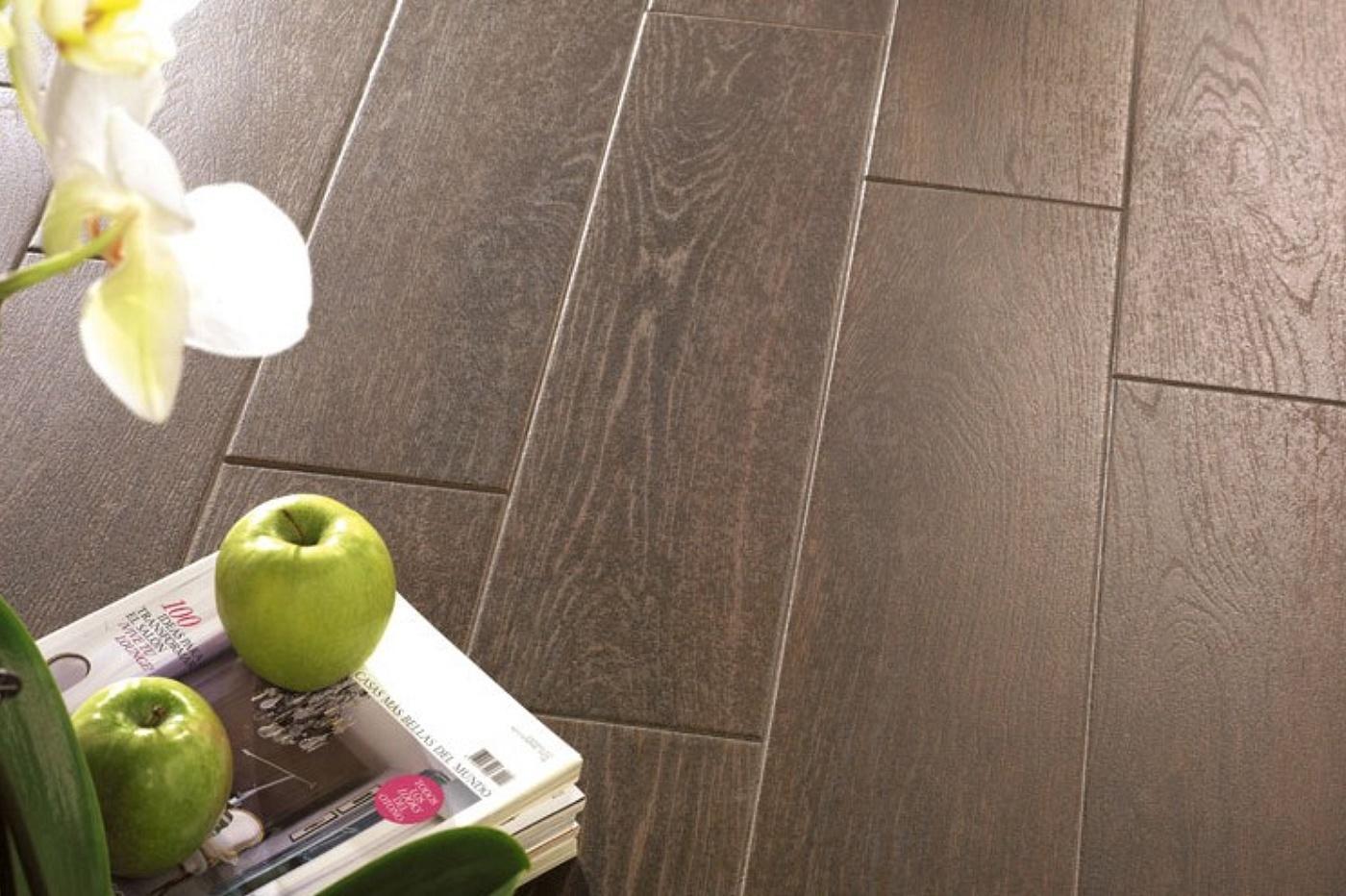 Piastrelle Per Esterni Effetto Legno : La mattonella pavimento effetto legno u eu e trovapavimenti