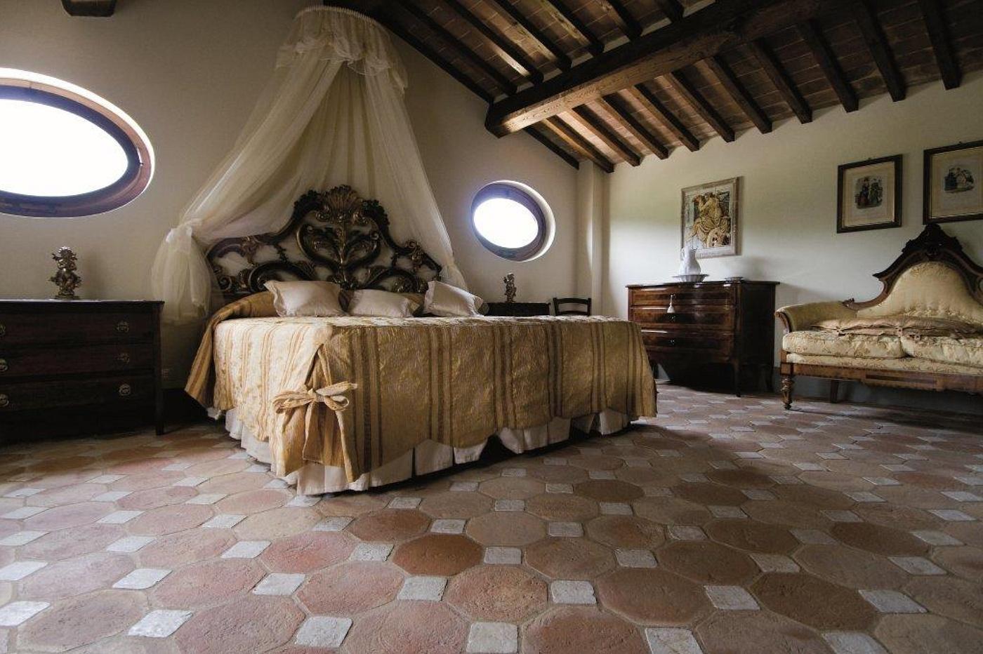 Cotto etrusco by materia srl ottagono con tozzetto in legno o