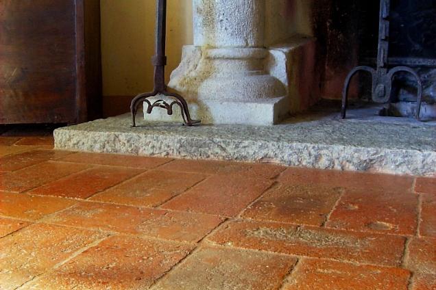 Pavimenti in cotto quadrato - Piastrelle in cotto per interni ...