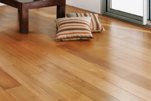 Parquet pavimenti in legno multicolore for Gres effetto teak
