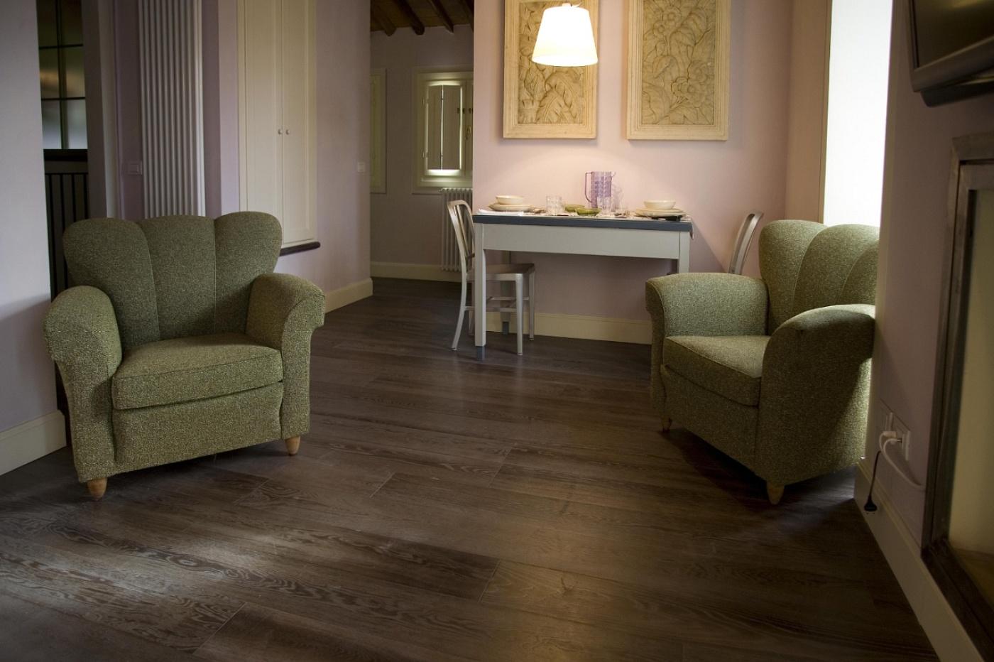Menconi srl pavimenti in legno linea i personalizzati for Pavimenti salotto