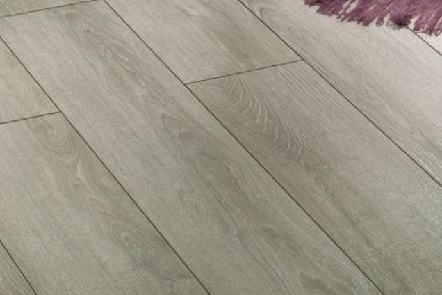 Parquet pavimenti in legno listoni in toscana for Finto parquet laminato