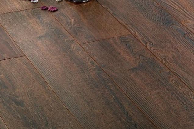 Parquet pavimenti in legno laminato for Finto parquet laminato
