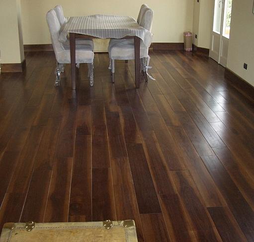 Sols interni di prestigio pavimenti a listoni for Pavimento in legno interno