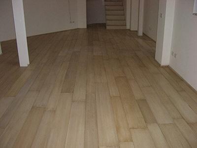 Sols interni di prestigio pavimenti a listoni - Posa a correre piastrelle ...