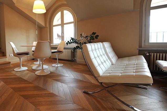 Parquet pavimenti in legno spina di pesce francese for Pavimenti salotto