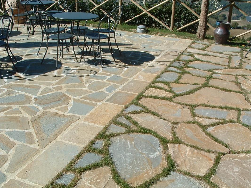 Pavimentazione giardino in pietra so35 regardsdefemmes for Pietre da giardino
