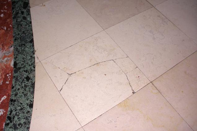 Pavimento In Pietra Di Trani : Pavimenti in marmo pietra pietra di trani in lazio