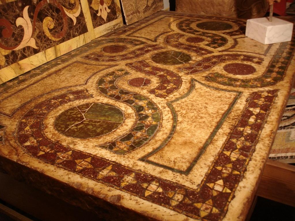 La bottega delle arti antiche pavimenti intarsiati in for Mosaici in marmo per pavimenti