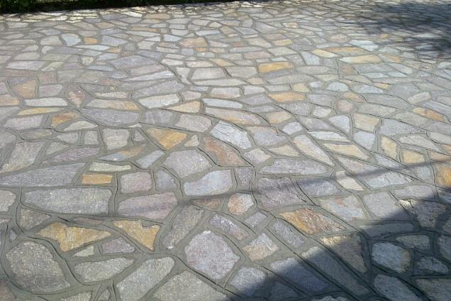 pavimenti in marmo pavimentazione : PAVIMENTI IN MARMO / PIETRA >> TrovaPavimenti.it