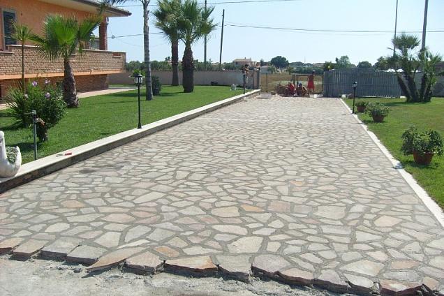 Pavimenti in marmo pietra rosso in lazio - Posa pavimento esterno su sabbia ...