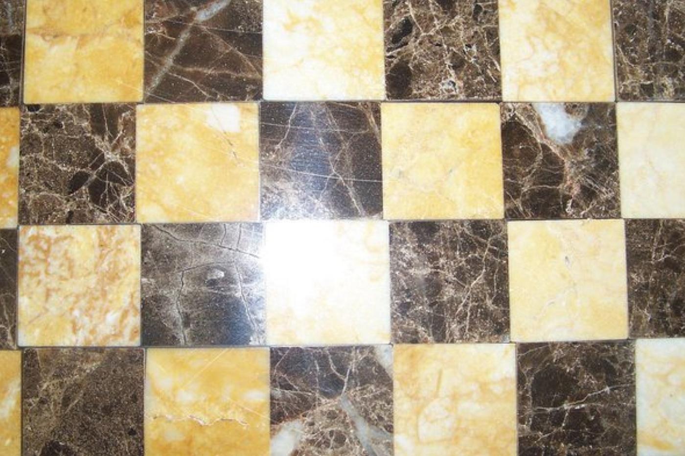 pavimenti in marmo pavimentazione : ... - Pavimentazione a scacchiera in marmo >> TrovaPavimenti.it