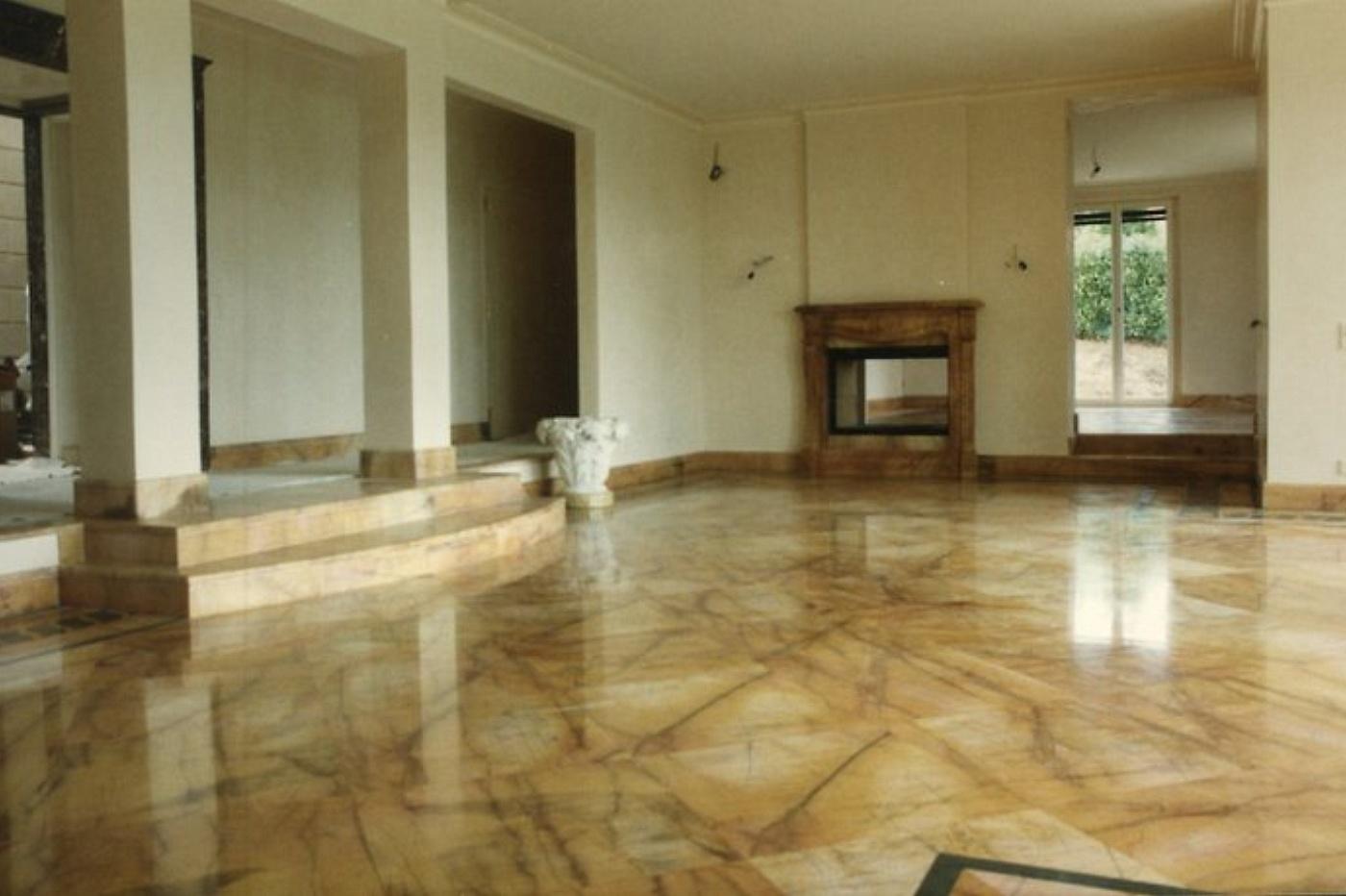 Sols interni di prestigio pavimentazione in marmo for Mosaici in marmo per pavimenti