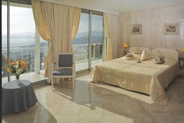 Pavimenti in marmo pietra bianco in massa e carrara - Tipi di pavimenti per interni ...