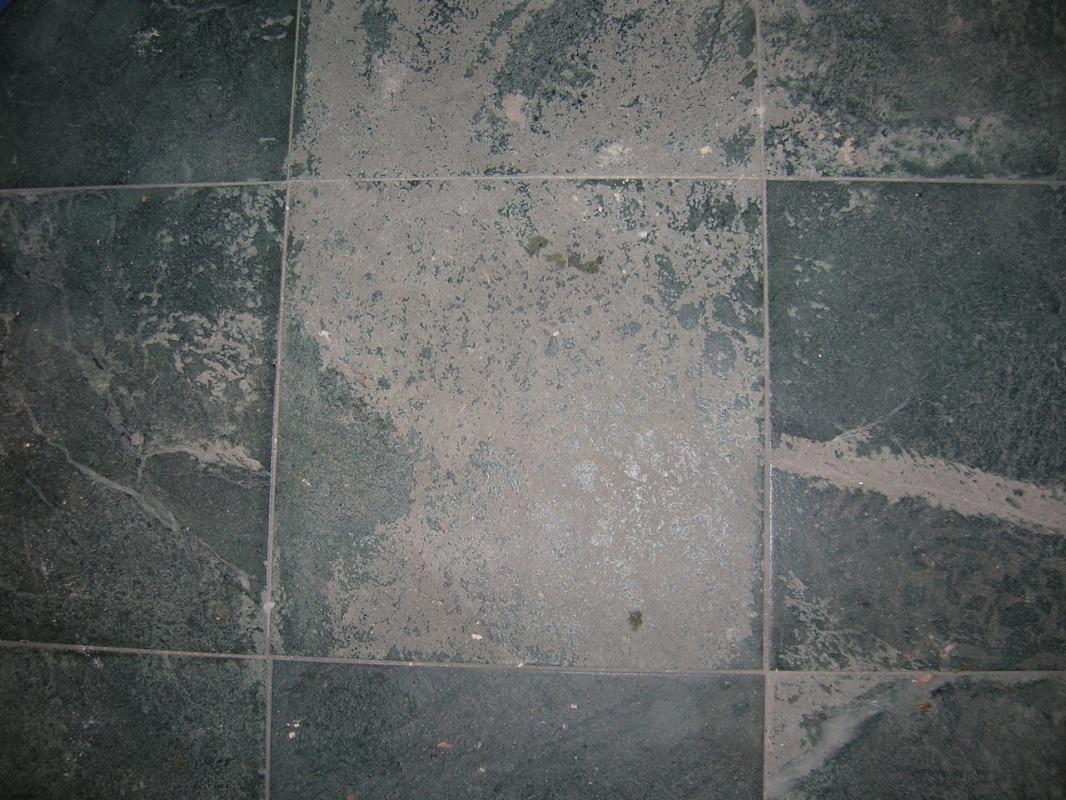 Tartuca service di flavio caminada pavimento in verde serpentino - Pavimento effetto bagnato ...