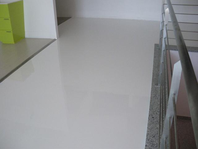 Pavimento In Resina Bianco.Resine Strutturate Pavimenti In Resina Protection In