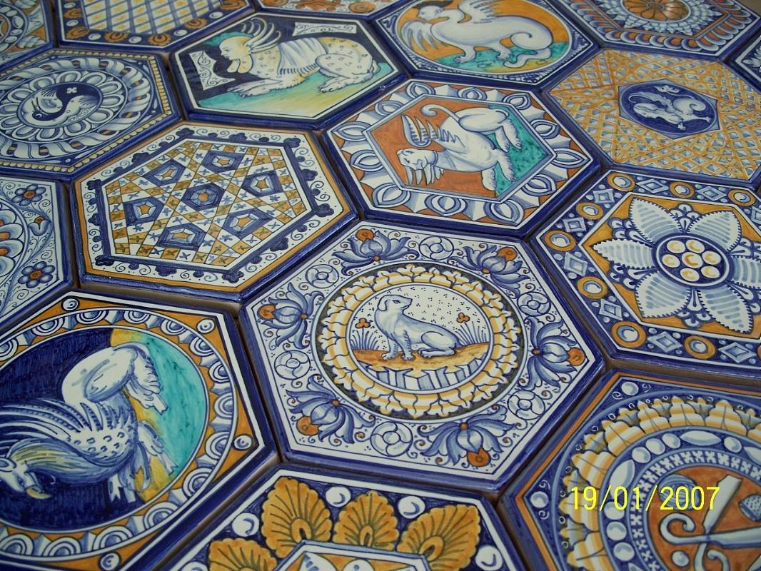 Sols interni di prestigio pavimento in maiolica - Piastrelle in maiolica ...