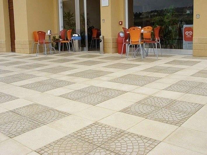 Piastrelle pavimento esterno good pavimenti in legno per esterni