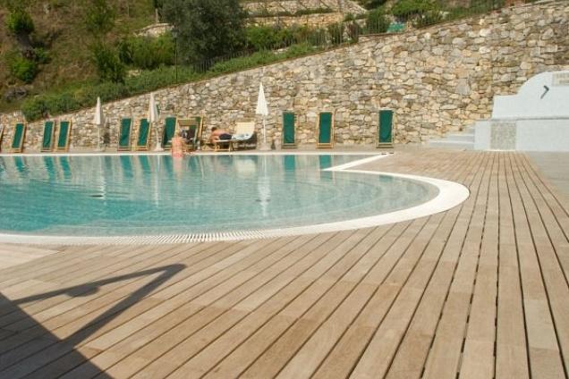 Pavimenti per esterni pavimenti in legno parquet - Listoni in legno per esterni ...