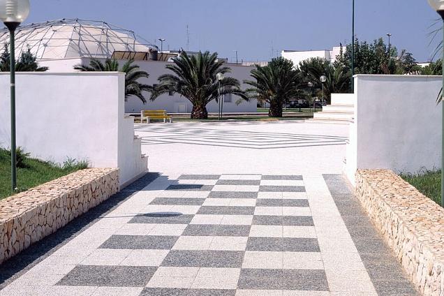 Pavimenti per esterni pavimenti in pietra naturale - Piastrelle di cemento da esterno ...