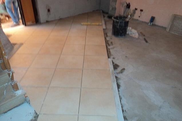 Latest dutca catalin with posa piastrelle - Costo posa piastrelle su pavimento esistente ...