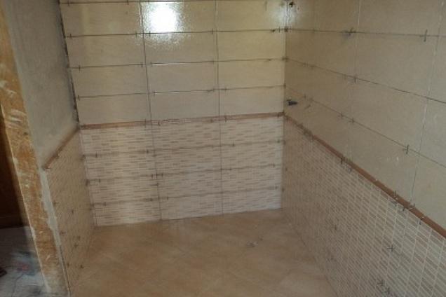Posatori pavimenti pavimenti in ceramica - Posa piastrelle diagonale ...