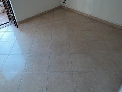 Propriet familiare posa pavimento sfalsato - Posa piastrelle diagonale ...
