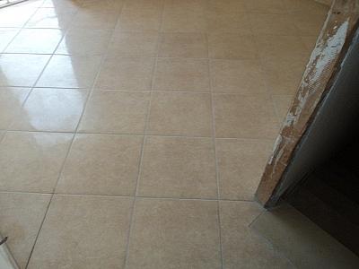 Dutca catalin posa in opera pavimenti gres porcellanato - Tipi di piastrelle ...