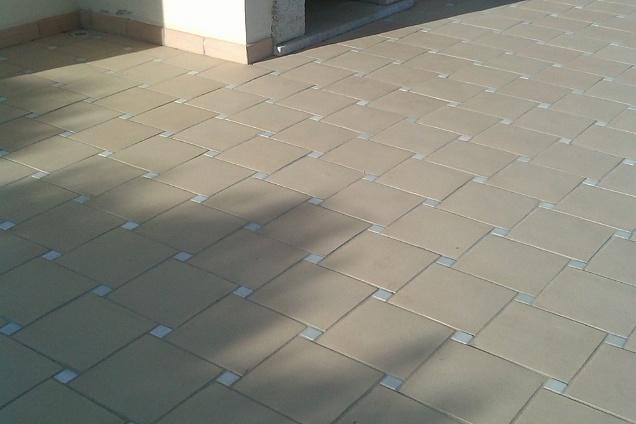 Posatori pavimenti pavimenti in cotto in salerno for Progress caserta prodotti
