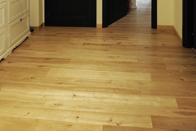 Posatori pavimenti pavimenti in legno parquet - Parquet montaggio ...
