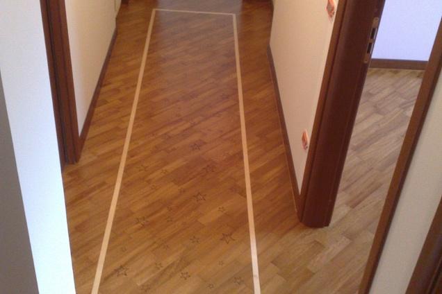Gres porcellanato effetto legno posa diagonale