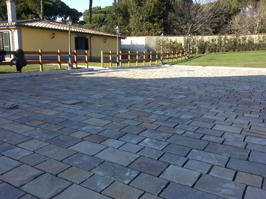Castelli romani l 39 arte della pietra piastrelle di porfido - Marche di piastrelle ...