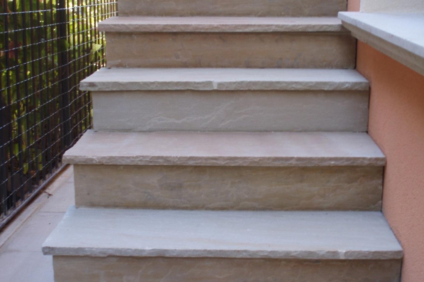 Picaprede di darkin maffi scale for Scale esterne in marmo