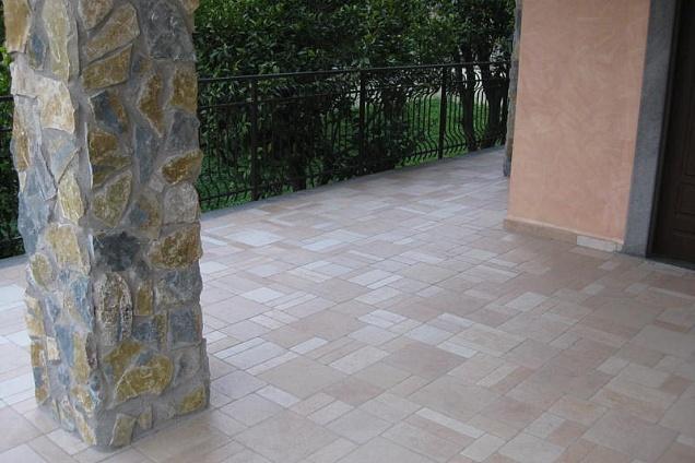 Posatori pavimenti pavimenti in marmo pietra in campania - Posa piastrelle in diagonale ...