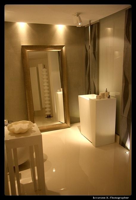Pavimenti del bagno in resina design casa creativa e - Resina per mobili ...
