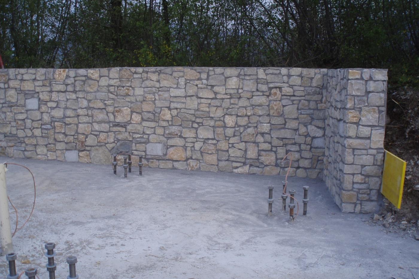 Rivestimento pietra muro esterno
